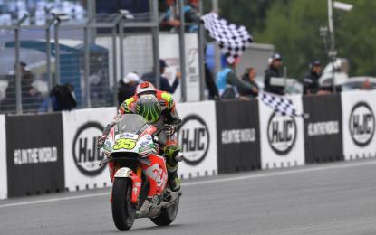 Crutchlow vince a Brno davanti a Rossi e Marquez