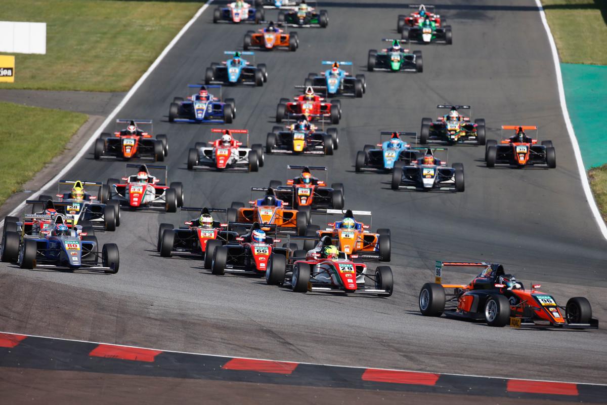 Vettel e l'importanza dell'ADAC Formula 4