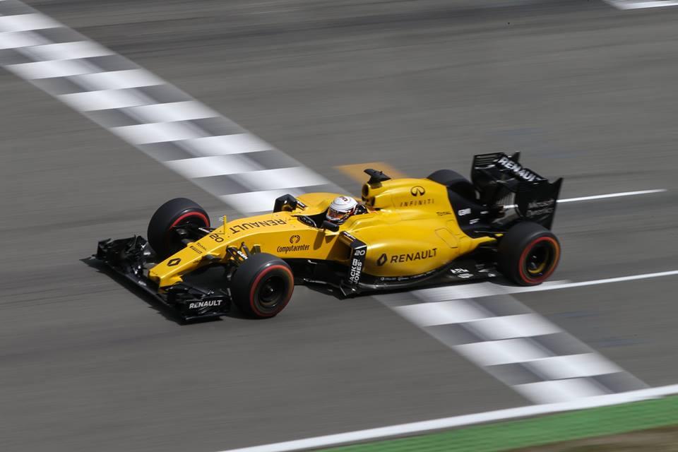 Renault F1: cambio colore nel 2017. E un pilota spagnolo…