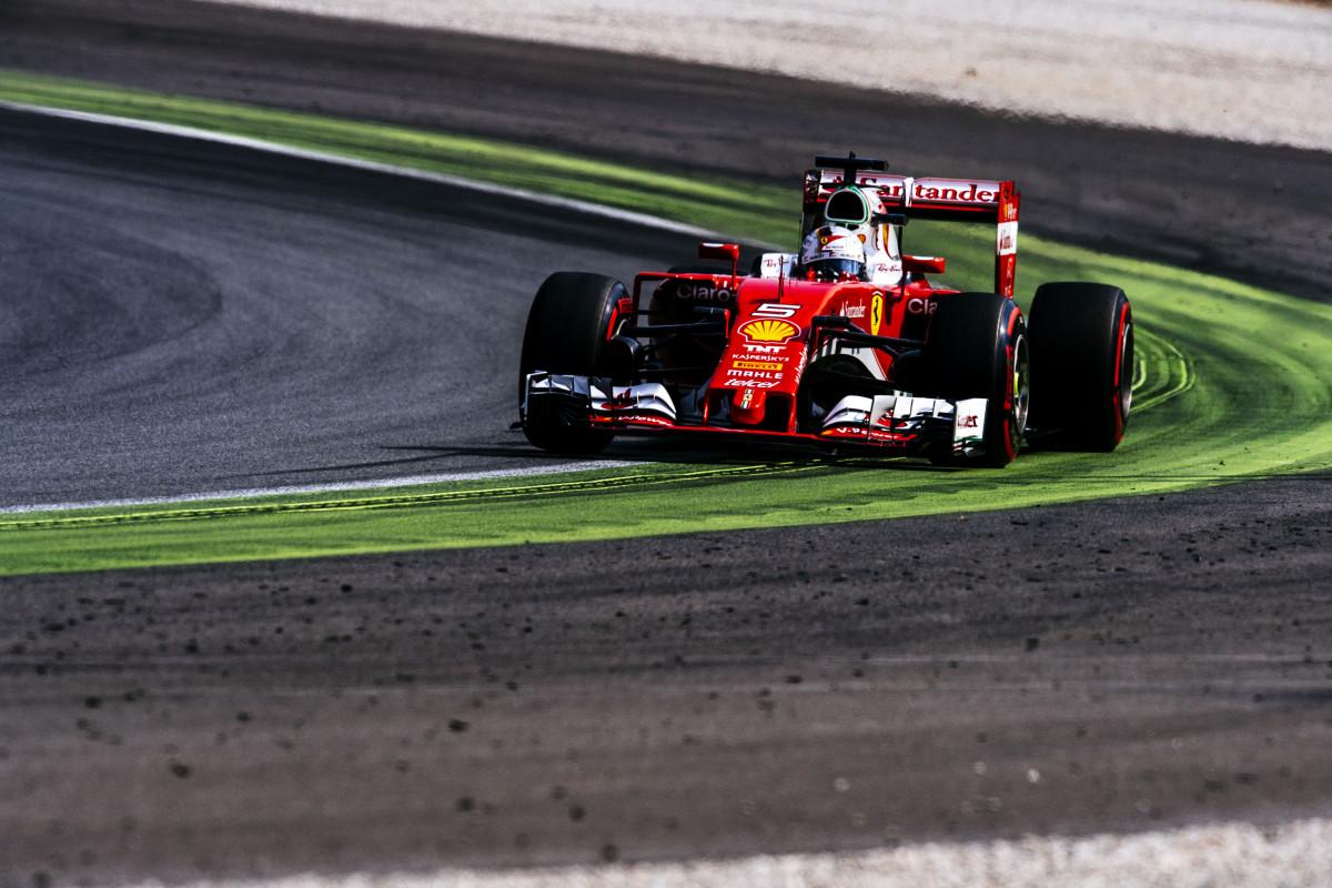 Seconda fila per la Ferrari davanti ai tifosi