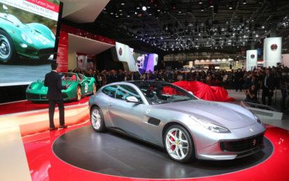 Ferrari a Parigi con GTC4Lusso T e LaFerrari Aperta