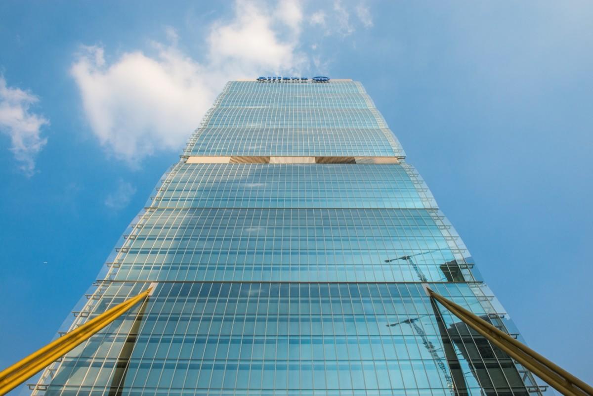 Salomon Running Milano all'attacco dell'Allianz Tower