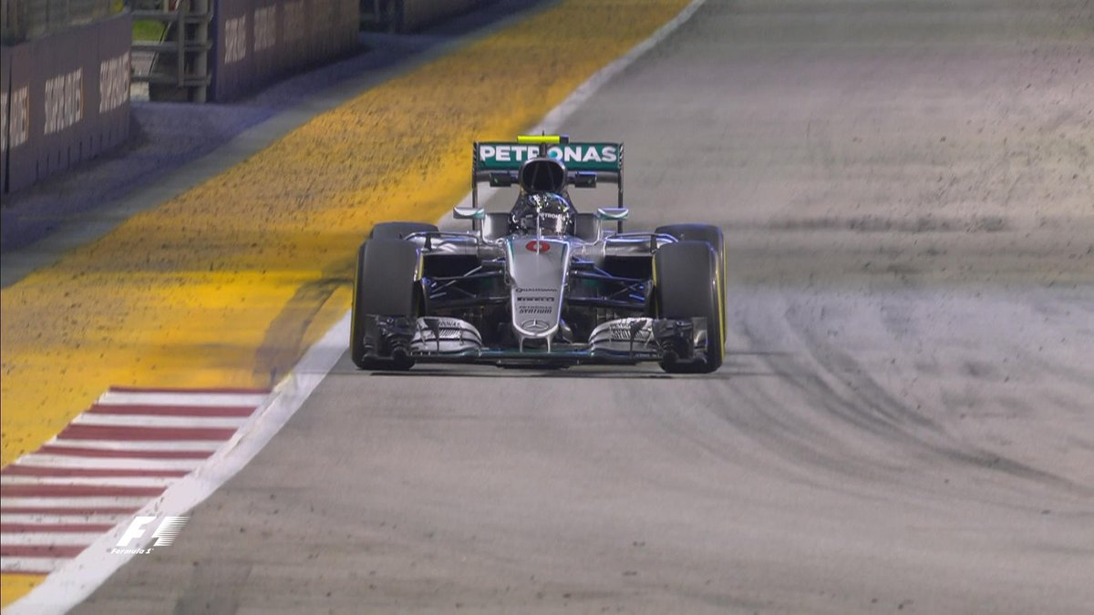 GP Singapore: Rosberg davanti a Raikkonen nelle FP2