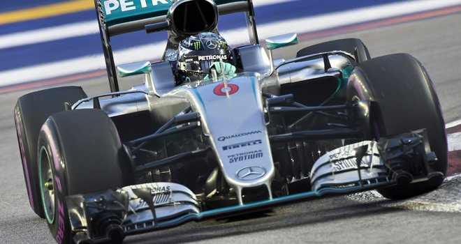 GP Singapore: Rosberg da record. Vettel ultimo