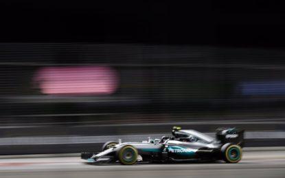 Rosberg conquista Singapore e classifica. Gran rimonta di Vettel