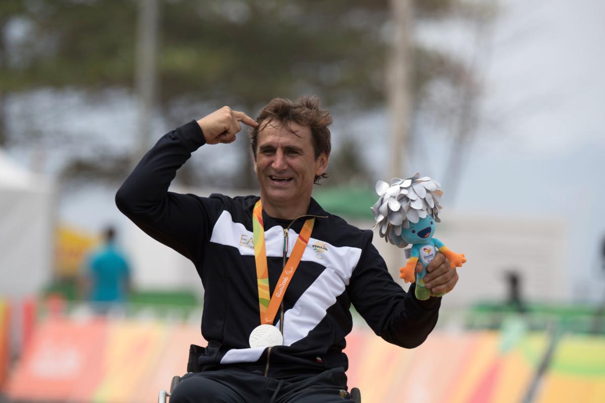 Zanardi: medaglia d'argento in un giorno speciale