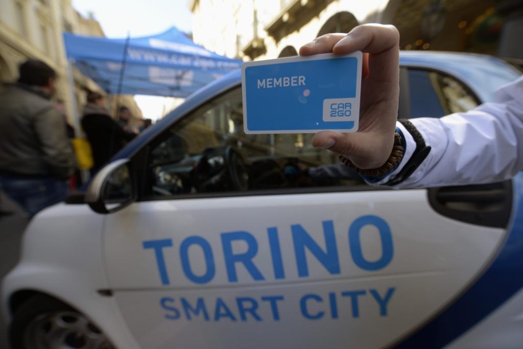Le nuove smart fortwo di car2go arrivano a Torino