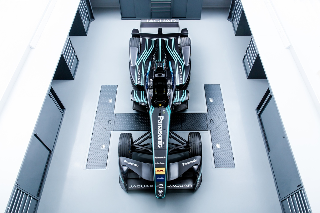 Formula E: nasce il team Panasonic Jaguar Racing
