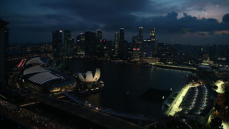 Singapore: because the night…