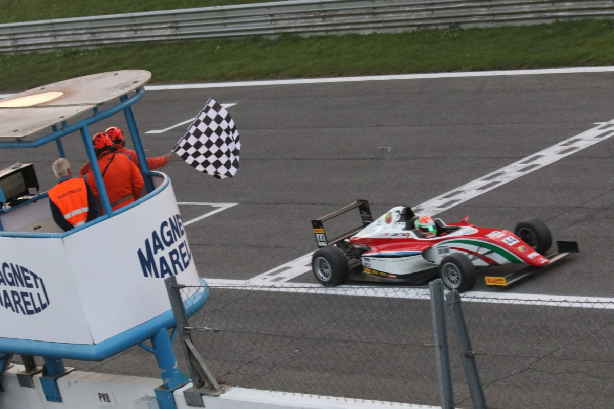 Italian F4: a Vips Rookie Trophy e Gara 3. Prema Campione