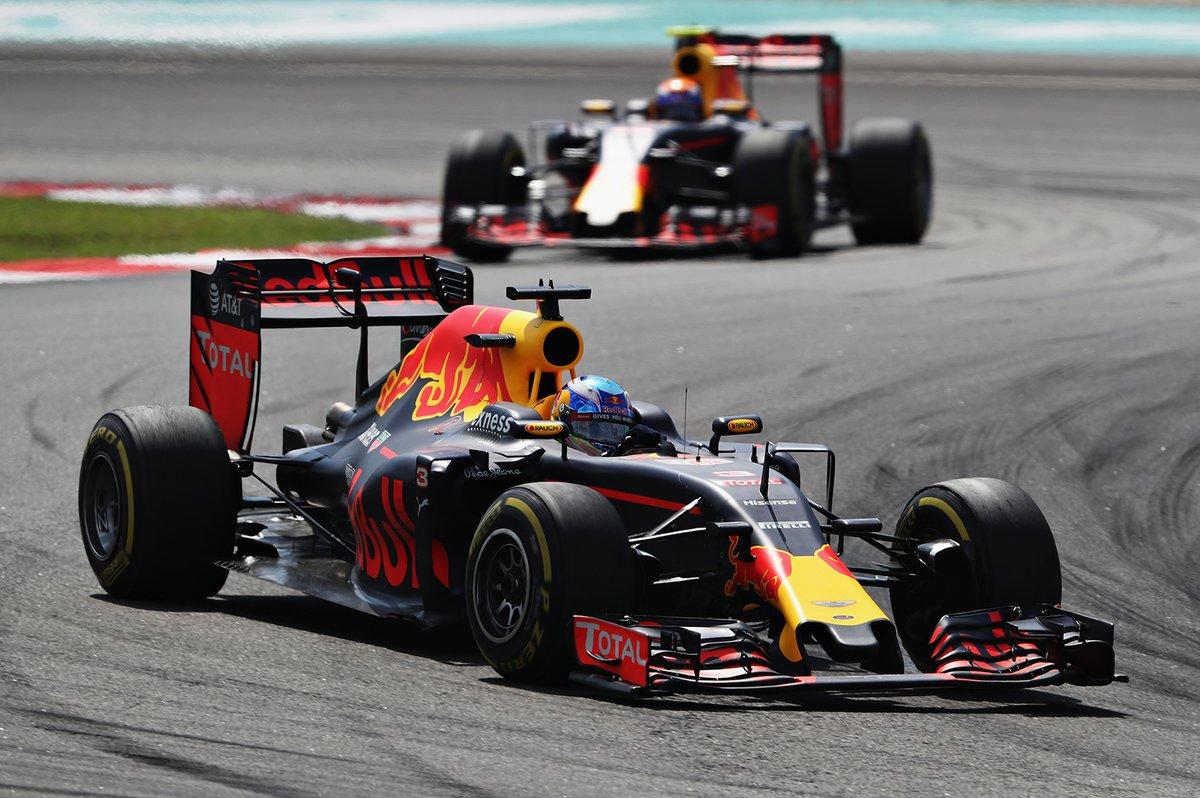 GP Malesia: Ricciardo dice no e vince