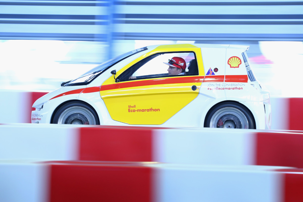 Raikkonen prova le auto del futuro con Shell