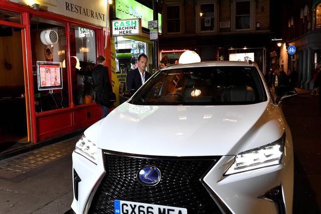 Lexus e Jude Law: diretta streaming on the road
