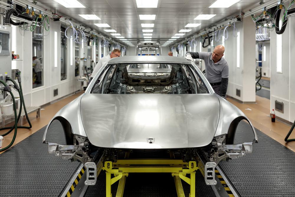 Porsche Panamera: nuovi standard nella produzione