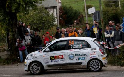 Canzian primo campione Trofeo Twingo R1