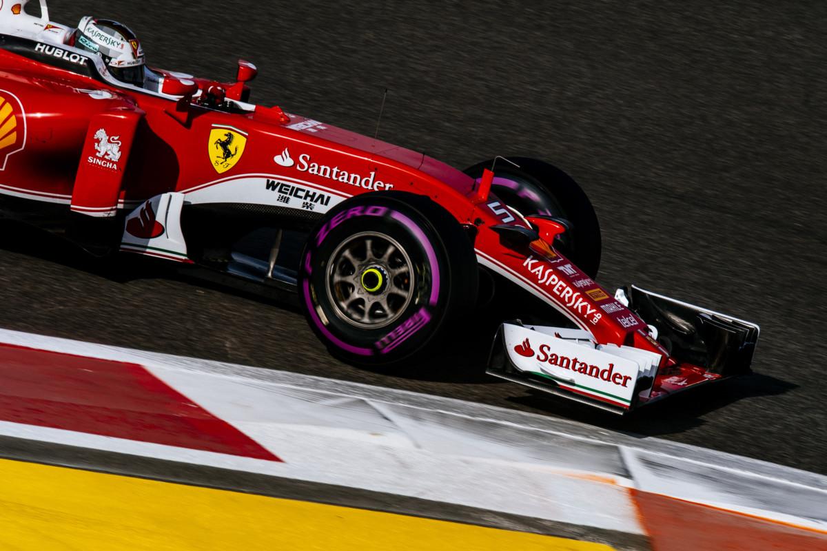 Abu Dhabi: Vettel primo nelle terze libere