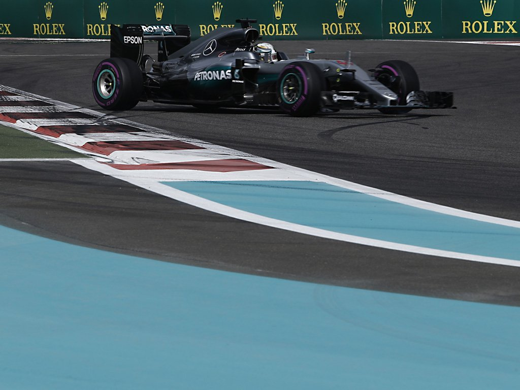 Abu Dhabi: prime libere ad Hamilton, Ferrari 5° e 7°