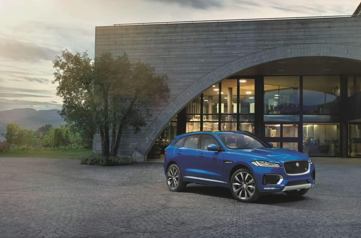 "Jaguar F-Pace ""Supreme Winner"""