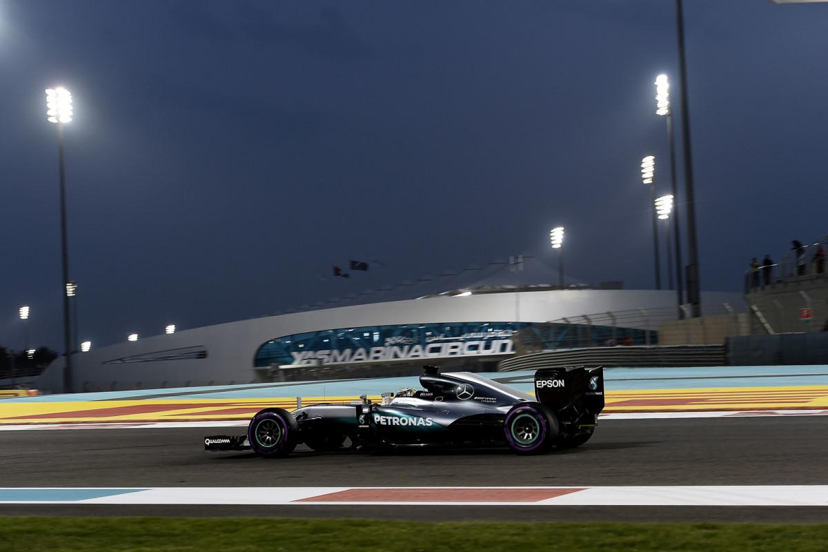 Abu Dhabi: due pitstop in gara, strategia cruciale