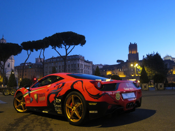 Pitstop Ferrari ai Fori Imperiali per Amatrice