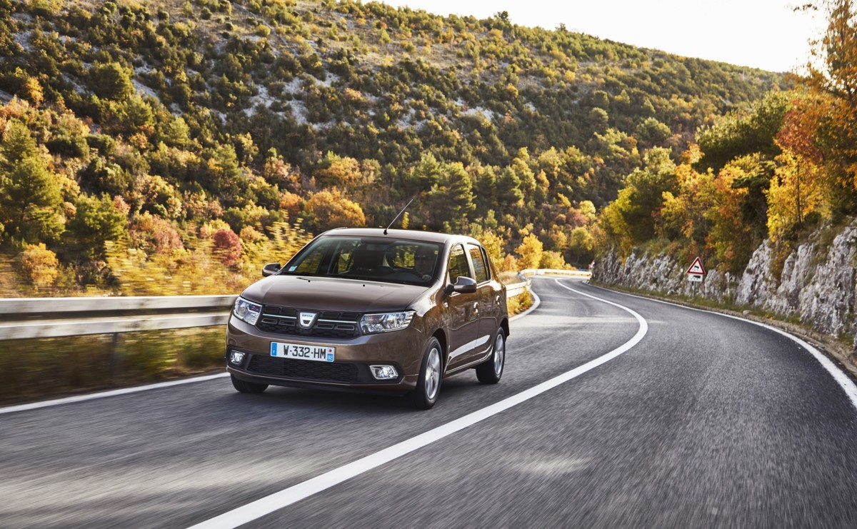 Dacia Sandero premiata per il 5° anno da What Car?