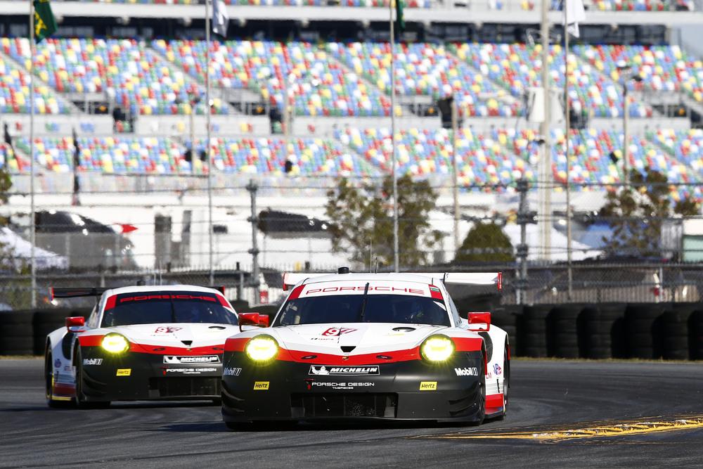 IMSA: two new 911 RSR at official test for Daytona
