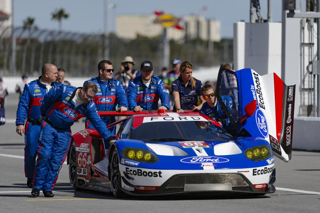 Sparco e Ford Chip Ganassi vincenti a Daytona