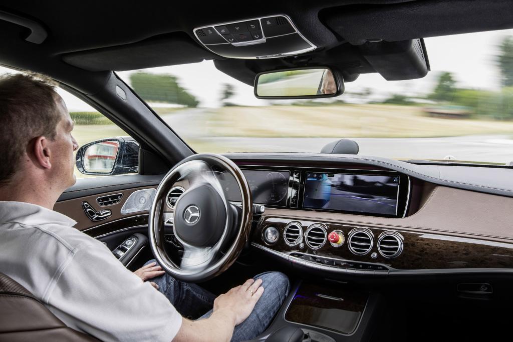Daimler e Uber: insieme per un futuro sempre più tecnologico