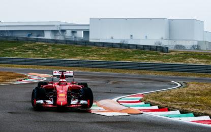 Raikkonen e Giovinazzi al lavoro con la SF15-T
