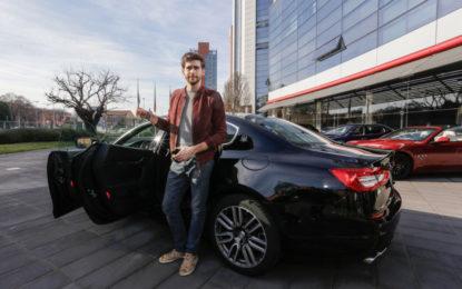 Alvaro Soler in visita alla sede Maserati