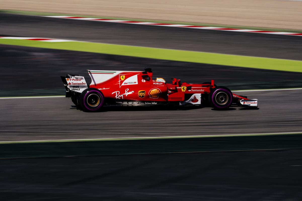 Vettel conclude i test con la simulazione di GP