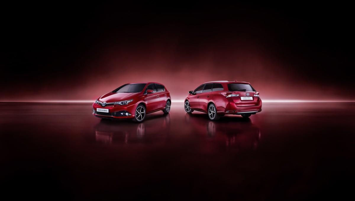 Nuova Toyota Auris Hybrid: aperti gli ordini
