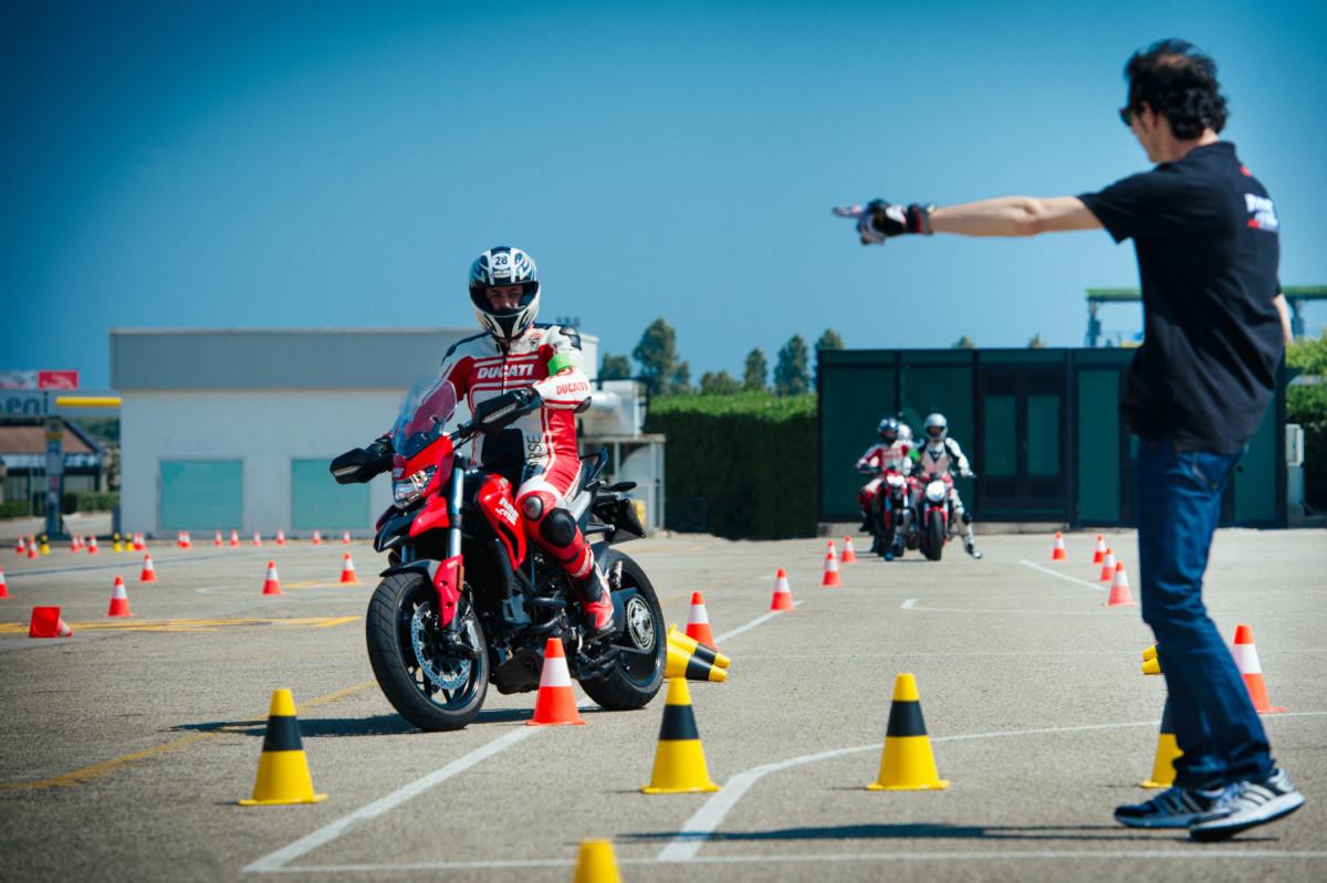 DRE Ducati Riding Experience 2017 nel segno della sicurezza