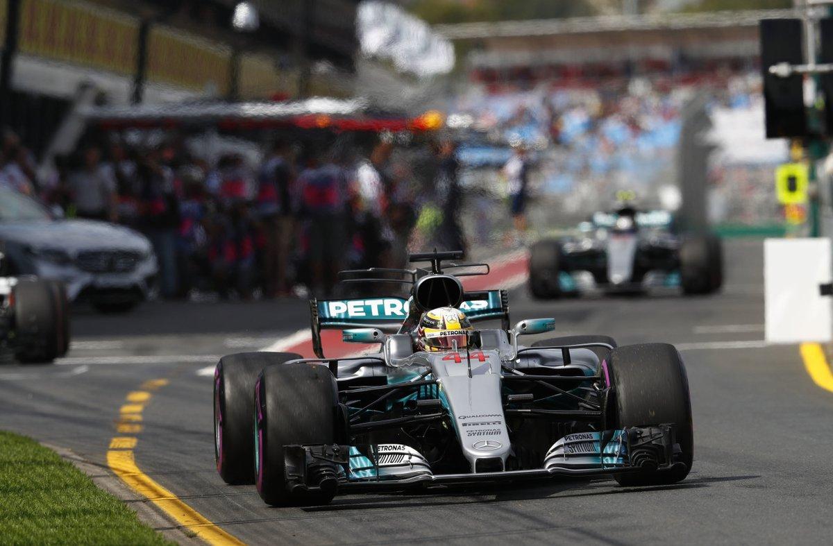 Australia: Vettel tra le Mercedes di Hamilton e Bottas