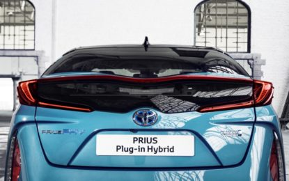 Toyota Prius Plug-in Hybrid è World Green Car 2017