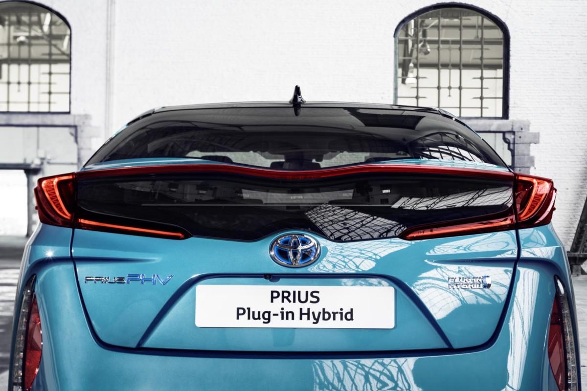 Toyota Prius Plug-in Hybrid è World Green Car 2017