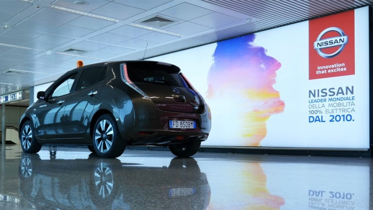Nissan LEAF e AS Roma: zero emissioni anche all'aeroporto