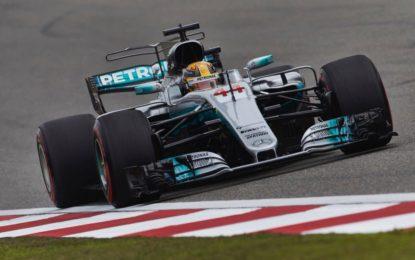 Cina: Hamilton conquista la pole, Vettel 2°, ma che battaglia!
