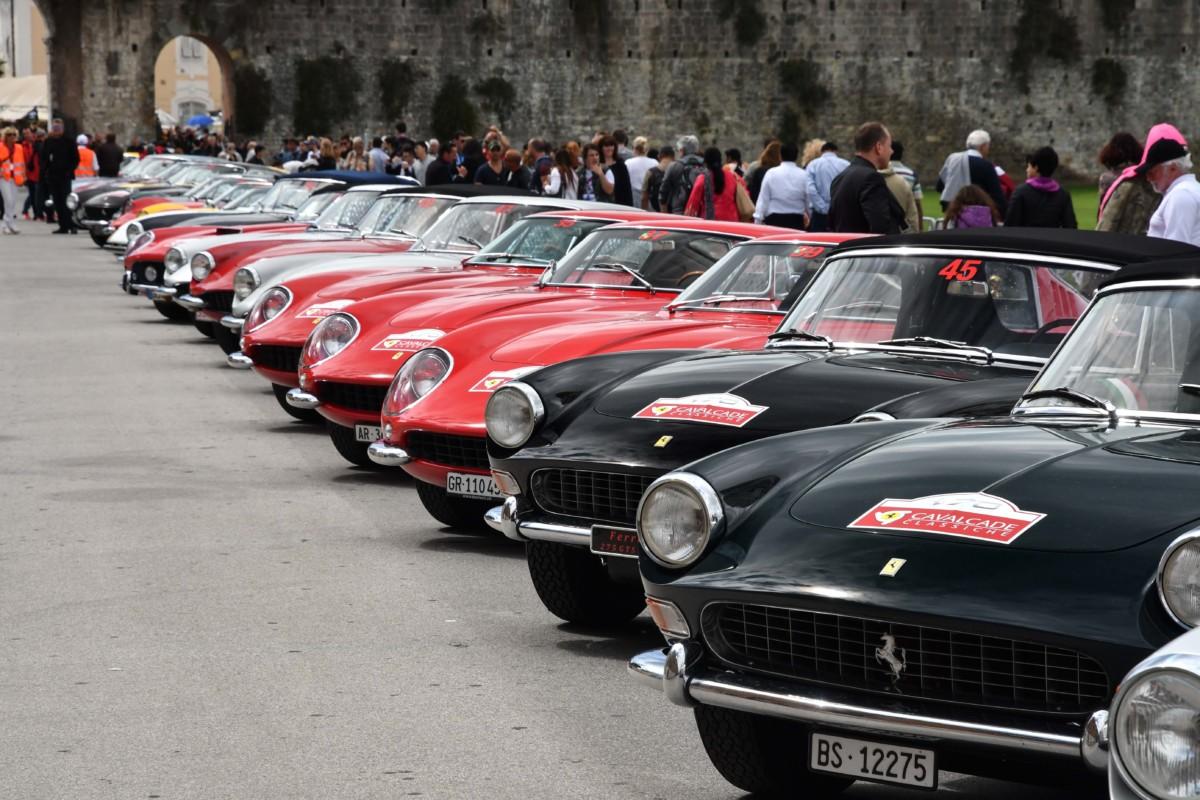 Settanta Ferrari alla Cavalcade 2017