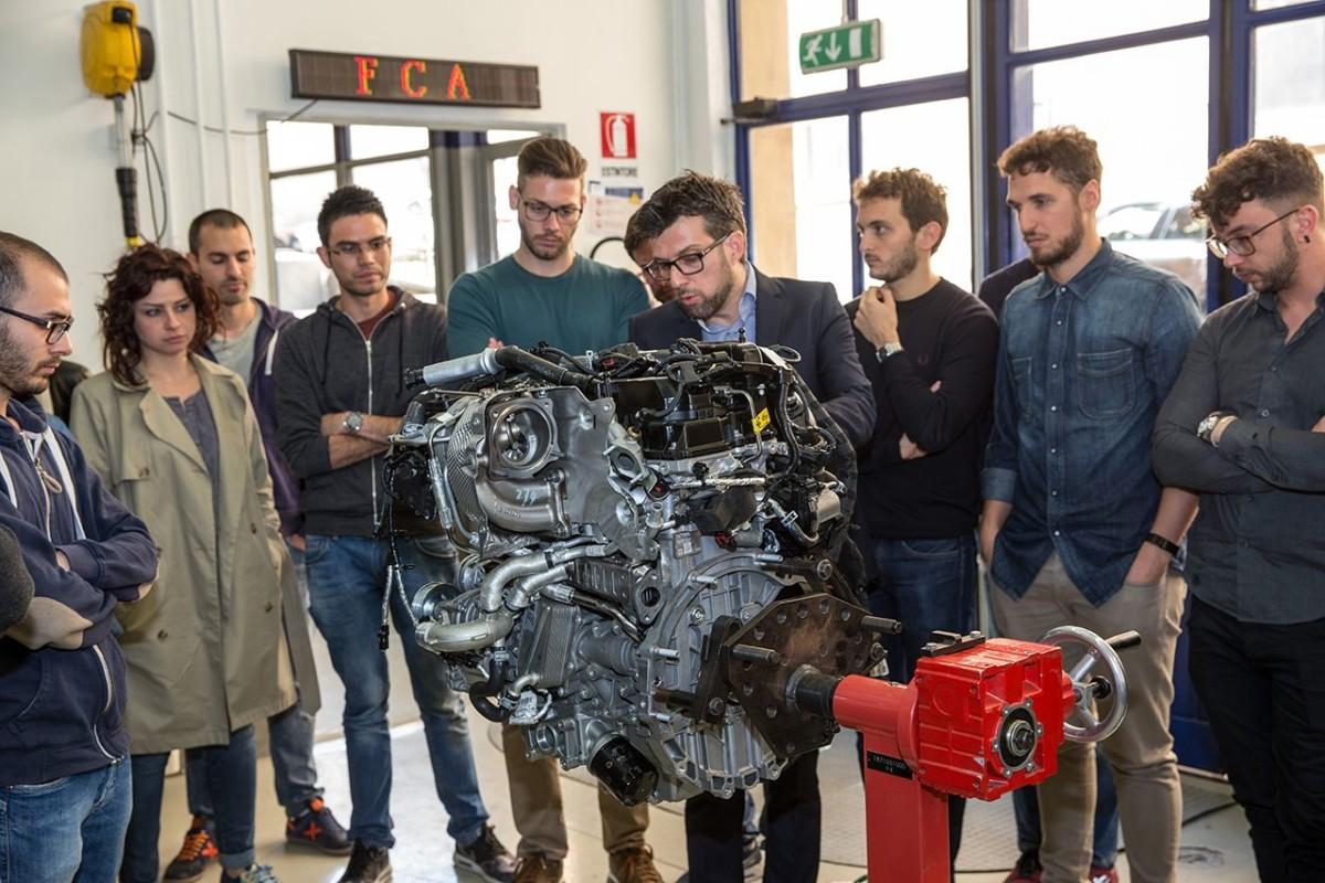 Mopar: seminario sui motori per gli ingegneri di domani