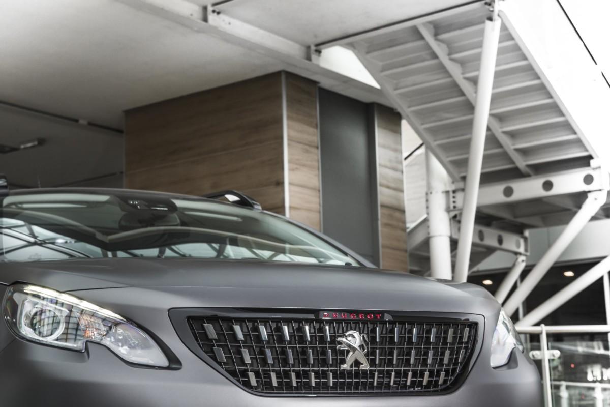 Peugeot SUV 2008 è anche Black Matt