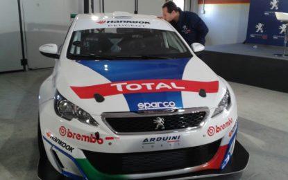 Stefano Accorsi e Peugeot 308 Racing Cup: ciak, si corre!