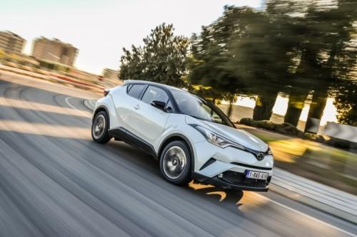 Toyota C-HR: cambio manuale sulla 1.2 benzina Active
