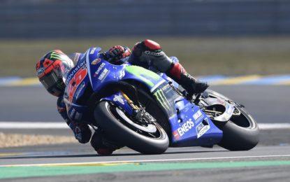 MotoGP: vince Vinales, Rossi KO all'ultimo giro