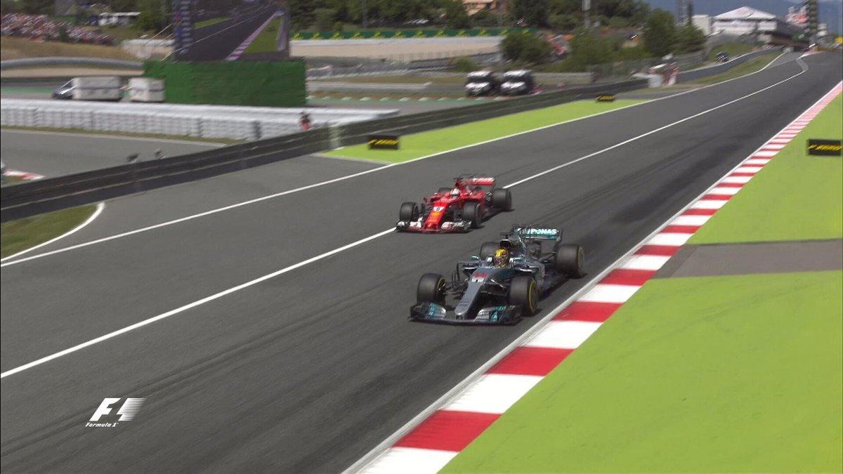 Zetsche felice del duello Mercedes-Ferrari