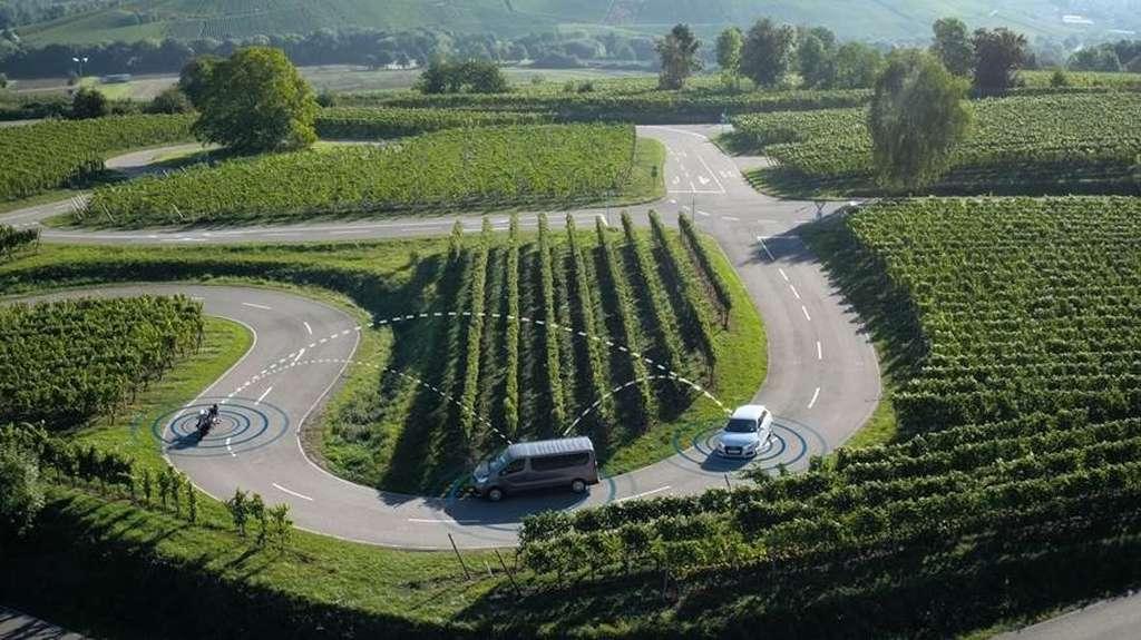 Bosch e gli incidenti stradali: quando auto e moto dialogano