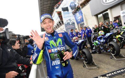 Valentino Rossi è tornato a casa dall'ospedale