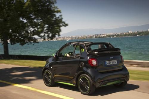 Nuova smart fortwo cabrio electric drive