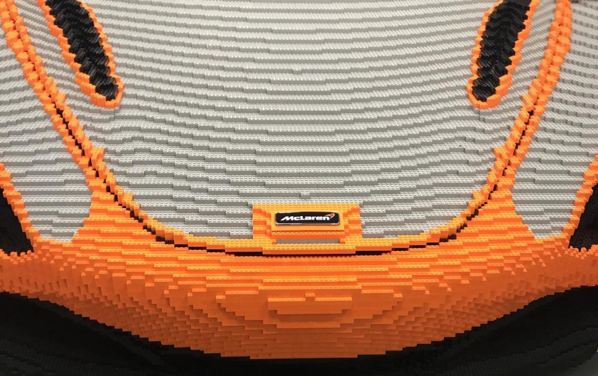 A Goodwood una McLaren 720S in scala 1:1 by LEGO