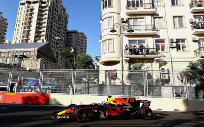 Ricciardo, Bottas e Stroll nella follia dell'Azerbaijan
